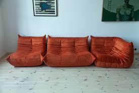 orange samt togo sessel und 2 sitzer sofa set michel ducaroy für ligne roset 1970er