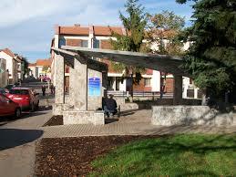 File Artézska studňa ul Komenského Lučenec Wikimedia