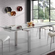 verlängerbarer tisch aus glas und stahl judo in modernem design