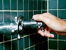 dusche reinigen so geht s schnell einfach effektiv