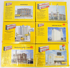 100 Box Truck Roll Up Door Repair Six Walthers Cornerstone Series N Scale Building Kits In Open Boxes
