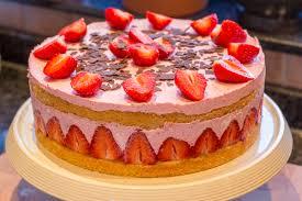 sahnige erdbeer joghurt torte terraginas