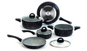 batterie cuisine batterie de cuisine 8 pièces noir rock in black par tognana