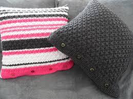 coussin canap design des housses de coussin design pour mon canapé merci mamie the