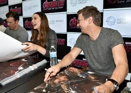 Chris Evans And Elizabeth Olsen PhotosPhotostream Pictures Marvels Avengers Age Of Ultron Booth Signing During Comic Con International 2014