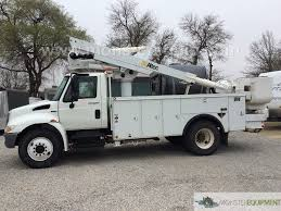 100 Altec Boom Truck 2009 International 4300 AT41M Bucket M052361 S