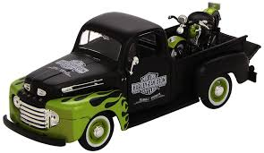 Amazon.com: Maisto 1:24 Scale 1948 Ford F-1 Pickup And Harley ...