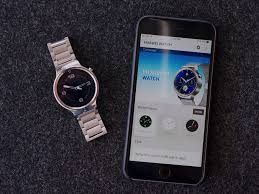 So Android Wear Watches Now Work with iPhone – Is That Enough