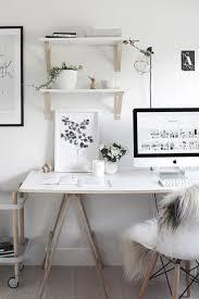 je ne suis pas au bureau 65 best bureaux images on office spaces room and