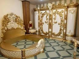 barock schlafzimmer in beige gold klassisch rundbett möbel