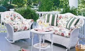 lloyd flanders cushions