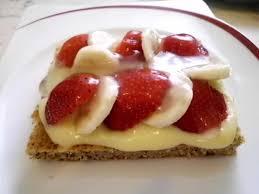 erdbeer bananen kuchendessert