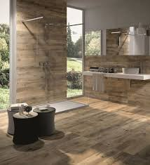 badkamer inspiratie eiken houtlook holzfliesen