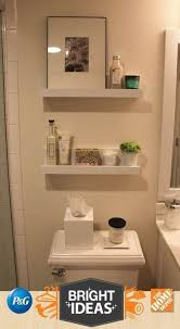 badezimmerregale über toilette kreative handtuchablage 30
