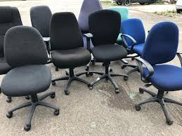 Office Chairs   In Paisley, Renfrewshire   Gumtree 12 Best Recling Office Chairs With Footrest Of 2019 The 14 Gear Patrol Black Studyoffice Chair Seat Cha Ks Pollo Chrome Base High Back Adjustable Arms Chair 1 Reserve Rolling Desk Trade Me 8 Budget Cheap Fniture Outlet Quick Sf112 New Headrest Just Give Him The Its That Easy Employer