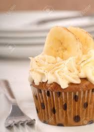 köstliche vanille kuchen mit frischkäse zuckerguss bananen und zimt