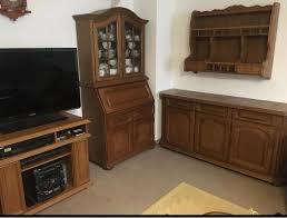 wohnzimmer vitrine sideboard tv schrank hängeregal aus massivholz