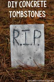 Diy Halloween Tombstones by Diy Concrete Tombstones A Little Craft In Your Day
