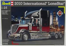100 Lonestar Truck REVELLKIT 07408 Scale 125 INTERNATIONAL LONESTAR TRUCK 2010