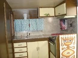 69 1400 Kitchen 1969 Shasta Stratoflyte 20ft