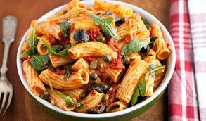 pates a la puttanesca stefano s pasta puttanesca in the kitchen with stefano faita