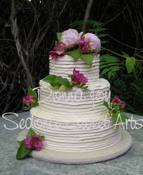 BC17 Ribbed Buttercream Wedding Cake What A Interesting Texture In Rustic Ribbons Spiraling