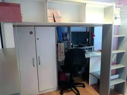 lit bureau armoire combiné lit mezzanine avec bureau et armoire image lit armoire bureau lit
