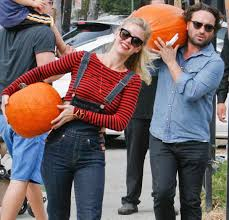 Oklahoma Pumpkin Patches by Hollywood Does Halloween Celebrities At The Pumpkin Patch