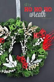 Astonishing Simple Christmas Wreath DIY