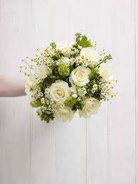DIY Tutorial White And Green Hand Tie Bouquet
