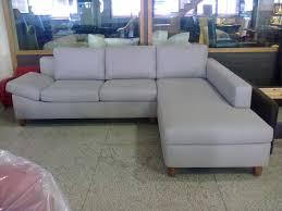 fabrication d un canapé des meubles sur mesure chez master arnold furniture le des