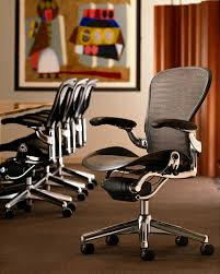 Aeron Chair Used Nyc by How My New Herman Miller Aeron Desk Chair Literally Saved My