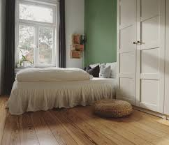 our new bedroom schlafzimmer bett grün altbau a