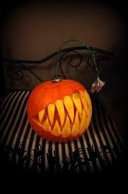 Scary Vampire Pumpkin Stencils by Best 25 Creepy Pumpkin Ideas On Pinterest Diy Halloween Outdoor
