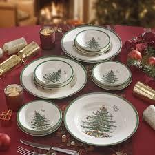 Spode Christmas Tree Glasses Uk by Spode Christmas Tree Dinner Service Set Daily Express