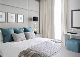 bathroom what color bedding goes with light blue walls best