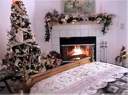 Amazing Christmas Bedroom Decorations Theme Ideas