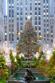 Rockefeller Plaza Christmas Tree Lighting 2017 by 539 Best Christmas In Nyc Images On Pinterest Places Travel And