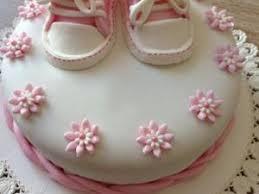 deco gateau en pate a sucre gâteau chaussures bébé pâte a sucre par les douceurs dorel