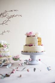 Our Concrete Look Cake Stand With A Divine By The Caker And Prettiest Florals MARKANTONIA