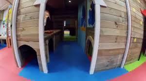 parc de jeux pour les enfants chez he