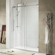 duschabtrennung aus glas mit schiebetüren 4 duschkabinen