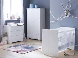 commode chambre bébé chambre bébé essentielle lit sommier commode plan à langer