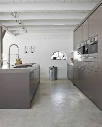 béton ciré sol cuisine une cuisine moderne avec sol en leroy merlin beton ciré plafond