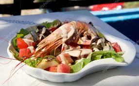 cuisiner poulpe frais salade de poulpe frais avec des aliments frais cuisine italienne
