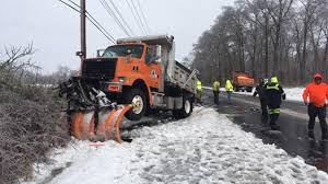 DelDOT Plow Truck Crashes In Newark | 6abc.com