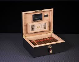 100 Daniel Marshall HUMIDORS DANIEL MARSHALL HUMIDORS AND CIGARS