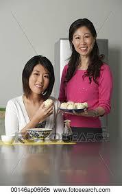 femmes plus cuisine banque d image mère fille dans cuisine plus séance femme