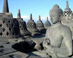 Borobudur Is The Biggest Buddhist Temple In World Thousands Of Foreign Tourists Are Willing To Travel Miles Just See Masterpiece
