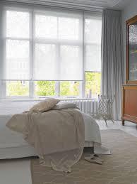 هادئة بالغ توسط wohnzimmer rollos
